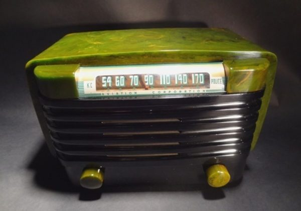 Bendix-526C-Catalin-Bakelite-Radio