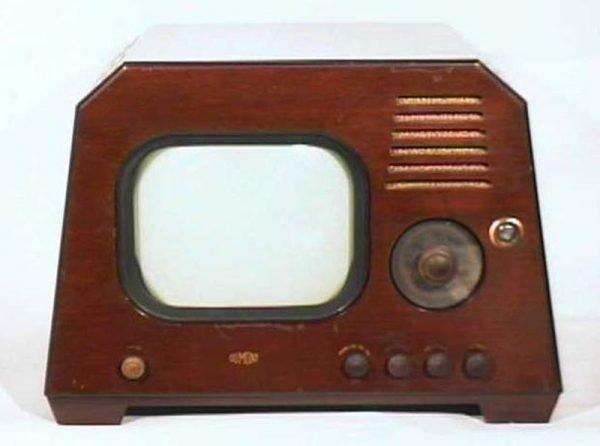 Dumont-Model-RA-103-Chatham-Antique-Vintage-Television-Set-TV