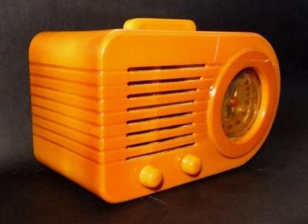 Fada-115-Bullet-Radio-Yellow-2