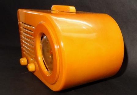 Fada-115-Bullet-Radio-Yellow-3