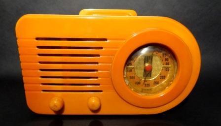 Fada-115-Bullet-Radio-Yellow-4