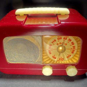 Fada 711 Catalin Radio