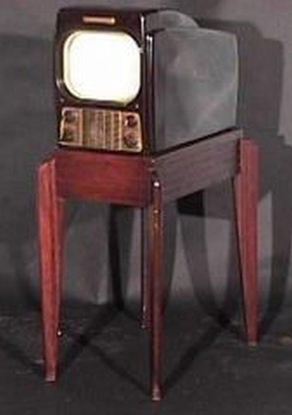 General-Electric-Model-800-Bakelite-Antiques-Vintage-Television-Set-TV