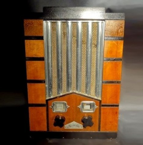 Majestic Studio Art Deco Radio