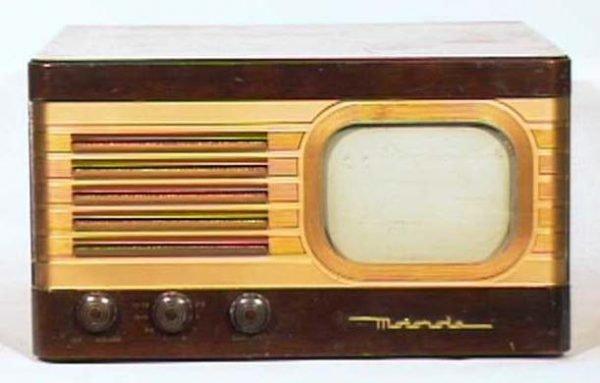 Motorola-Model-VT71-Walnut-Antique-Vintage-Television-Set-TV