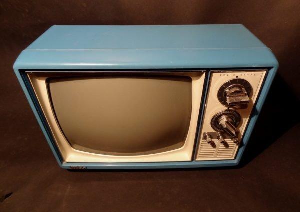 Quasar-1970s-Space-Age-TV-Television-Blue3