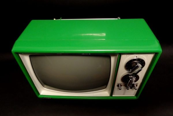 Quasar-1970s-Space-Age-Television-TV-Green-4