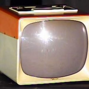 Sylvania-Two-Tone-Pink-White-Portable-Antique-Vintage-Television-Set-TV