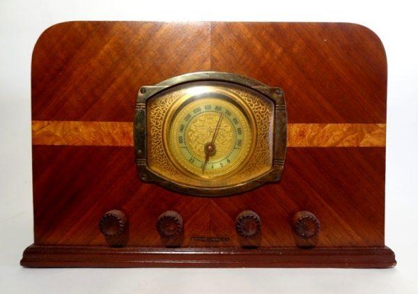 Stewart-Warner-Art-Deco-Wood-Tube-Radio-a
