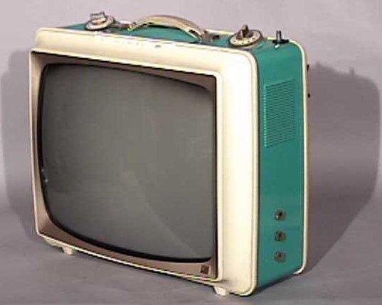 Sylvania-Two-Tone-Portable-Antique-Vintage-Television-Set-TV