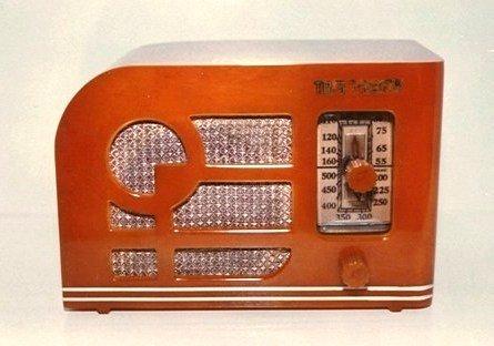 We-Buy-Automatic-Radio-Co-Tom-Thumb-Bakelite-Catalin