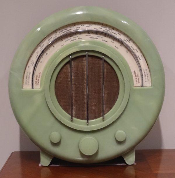 EKCO AD65 Round Bakelite Radio